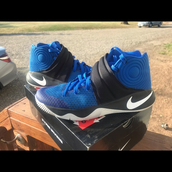 newest 95738 3c8eb Nike Kyrie 2 hyper cobalt \ white-black size 10